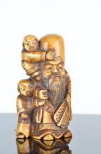 Carved Japanese Netsuke figure of a bearded man