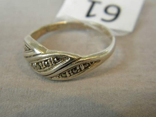 Vintage Ladies' Sterling Silver Ring Size 8