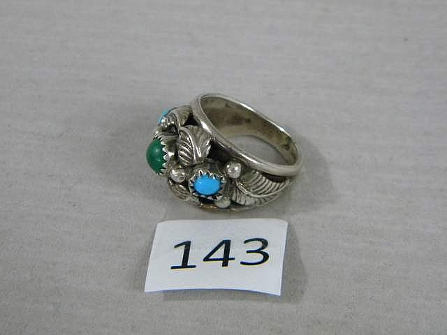 Vintage Sterling Silver and Turquoise Decorative Ring Size 6