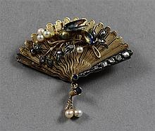 VINTAGE UNMARKED YELLOW GOLD FAN SHAPED PIN WITH ENAMELED BIRD, PEARL AND ROSE CUT DIAMONDS, 2