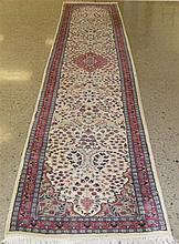 PAKISTANI PERSIAN TABRIZ RUNNER