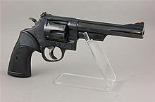 SMITH & WESSON 57 .41 MAG CALIBER REVOLVER SN:N774232