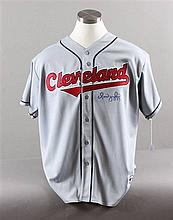 SIGNED MAJOR LEAGUE BASEBALL SHIRT INDIANS, OMAN VIQQUEL