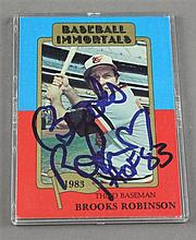 SIGNED BROOKS ROBINSON 1983 BASEBALL IMMORTALS CARD ENCASED