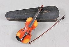 YOUTH VIOLIN INCLUDING BOW AND HARD CASE, 20 1/2