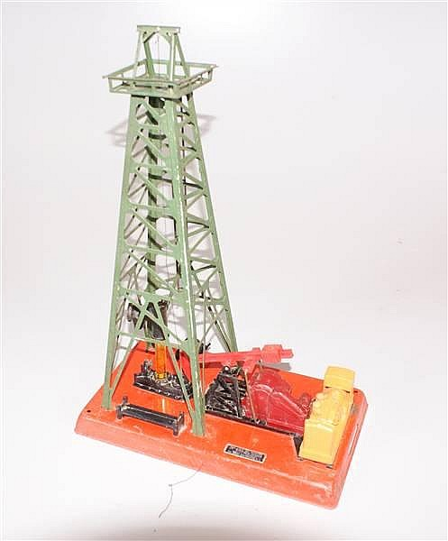 LIONEL POST WAR #455 OIL DERRICK