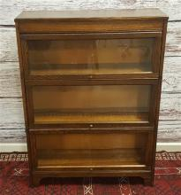 3 SECTION OAK BARRISTER BOOKCASE, MADE IN GRAND RAPIDS MI., 34.5