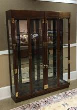 PAIR HENREDON DISPLAY CABINETS WITH BRASS HARDWARE AND GLASS SHELVES, 31.5