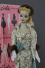 #1 BLONDE PONYTAIL BARBIE DRESSED DISPLAY DOLL IN #961