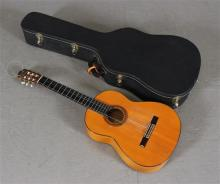 MIGUEL RODRIGUEZ SIX STRING GUITAR MADE IN 1963 WITH CASE - 40