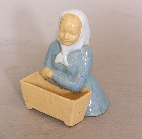 SIGNED MAXINE EWERTZ POTTERY FIGURAL PLANTER WOMAN WITH SCARF, 7 1/4