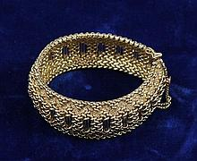 14K YELLOW GOLD FANCY WIDE BRACELET, 7