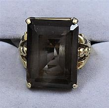 14K YELLOW GOLD SMOKEY QUARTZ FASHION RING, SIZE 6 1/4 ~ 12.6 GRAMS TOTAL