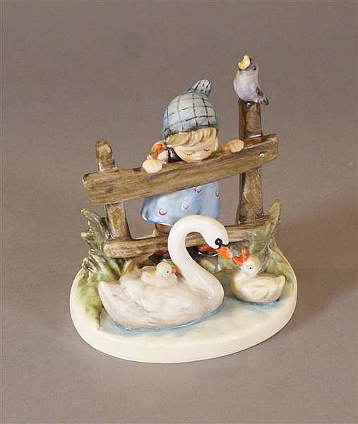 """HUMMEL FIGURINE """"FEATHERED FRIENDS"""" #344, 5 MARK, 4 1/2""""H WITH BOX"""