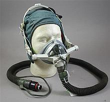B/E AEROSPACE SWEEP ON PILOTS OXYGEN MASK W/ BLACK CORD