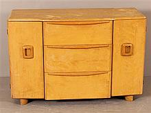 HEYWOOD WAKEFIELD MID CENTURY MODERN M192 THREE-DRAWER BUFFET, WHEAT FINISH, SHOWS WEAR, SIDE DOORS REVEAL TWO INTERIOR SHELVES.
