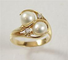 STAMPED 14K YELLOW GOLD TWO PEARL FASHION RING WITH DIAMOND ACCENTS, SIZE 7 1/4, 5 GRAMS TOTAL