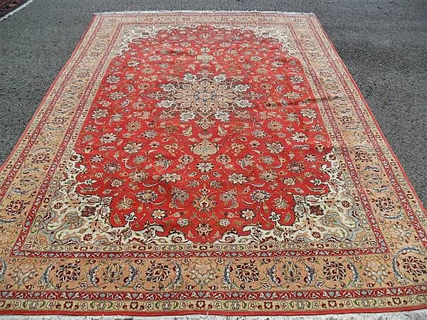 FINE PERSIAN TABRIZ SILK AND WOOL, 6.7 X 10.2 ~