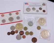 LOT INCLUDING TOKENS, FOREIGN COINS, 1964 AND 1985 MINT SETS, 3 PRESIDENTIAL COINS, (1) 40% KENNEDY HALF DOLLAR, 1 CLAD HALF DOLLAR,...