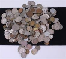 LOT FOREIGN COINS (515)