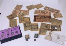 LOT INCLUDING COINS OF BIBLE, MCARTHUR REPRODUCTION TOKENS, COMMEMORATIVE COINS, AND CIVIL WAR ERA REPRODUCTION NOTES