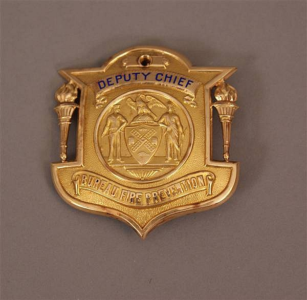 14 K YELLOW GOLD DEPUTY FIRE CHIEF BADGE