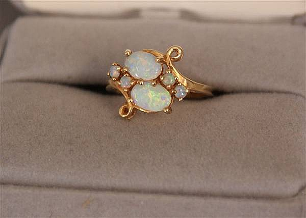 14 K YELLOW GOLD OPAL FASHION RING