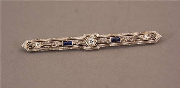 14 K WHITE GOLD ART DECO BAR PIN