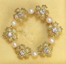 Gold 9ct Diamonds and Pearl Brooch. Hallmarked Birmingham. Boxed.
