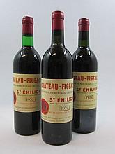3 bouteilles 1 bt : CHÂTEAU FIGEAC 1976 1er GCC (B) Saint Emilion (base goulot)