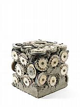 ARMAN (1928-2005) SANS TITRE - 1971 Inclusion de cadrans téléphoniques, métal, plastique et fils électriques dans béton