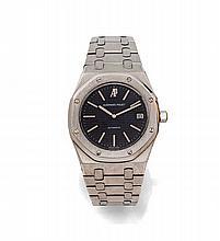AUDEMARS PIGUET ROYAL OAK JUMBO, n° B1691, vers 1975 Rare et grande montre bracelet en acier. Boîtier tonneau, lunette octogonal...