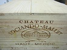 12 bouteilles CHÂTEAU SOCIANDO MALLET 1999 Haut Médoc Caisse bois d'origine