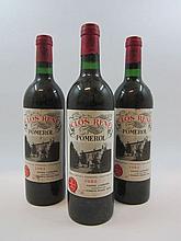3 bouteilles CLOS RENE 1982 Pomerol (étiquettes sales et tachées)