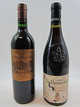 2 bouteilles 1 bt : CHÂTEAUNEUF DU PAPE 1993 La Bernardine. M.Chapoutier (étiquette très abimée et déchirée)