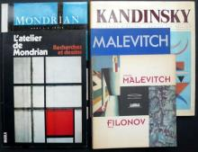 Mondrian, Kandinsky, Malevitch - Kandinsky, les chefs d'œuvres par Ramon Tio Bellido. Ed. Hazan. 1987. - L'Atelier de Mondrian -...