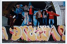 Martha COOPER (née en 1943) DURO-DOZE-MARE139-SHA147-DAZE-PINK-CRASH JUMPING FROM AMPHITHEATER, MANHATTAN, 1982-2008 Digital C-print...