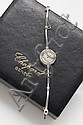 CHOPARD N° 404989 vers 1970 Montre bracelet de dame en or blanc. Boîtier rond. Cadran argent avec index bâton appliqués