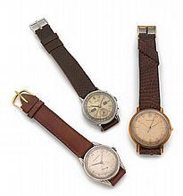 MOVADO Vers 1940  Trois montres bracelets dont une en or 18K (750) les deux autres en acier. Mouvements mécanique.  SET OF 3 W...