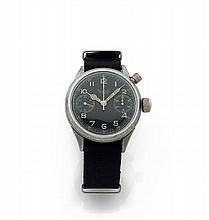 HANHART MONO-POUSSOIR, vers 1940 Rare et beau chronographe bracelet de pilote de l'armée allemande en métal chromé. Boîtier rond...