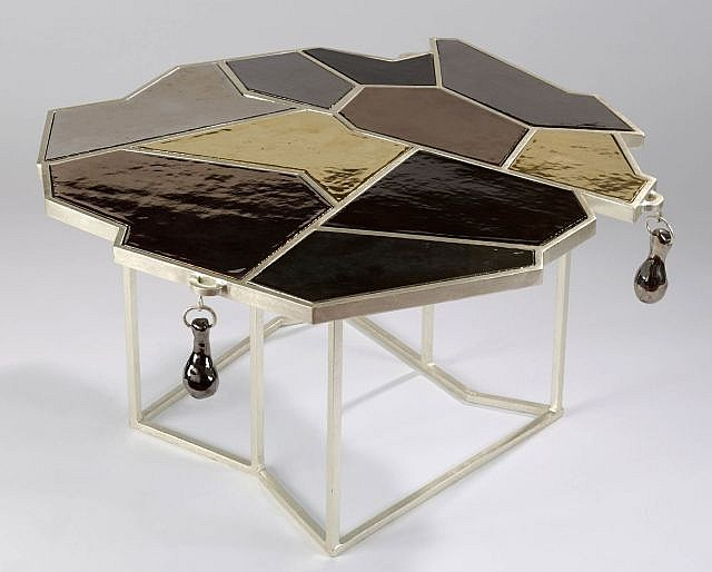 Elizabeth GAROUSTE  Table
