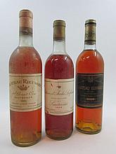 3 bouteilles 1 bt : CHÂTEAU D'ARCHE LAFAURIE 1969 Sauternes (haute épaule)