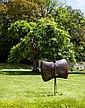 Philippe HIQUILY (1925 - 2013) MASQUE A L'OEIL, 1988 Sculpture en laiton patiné (effet cuir) et yeux en verre