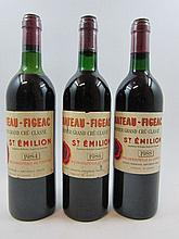6 bouteilles 3 bts : CHÂTEAU FIGEAC 1984 1er GCC (B) Saint Emilion (1 base goulot, 1 haute épaule et 1 mi-épaule, étiquettes déchirées)