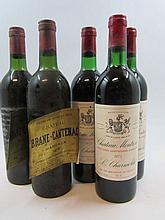 5 bouteilles 2 bts : CHÂTEAU BRANE CANTENAC 1975 2è GC Margaux (légèrement bas, étiquettes décollées et abimées, capsules corrodées)