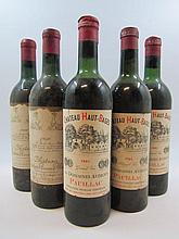 5 bouteilles 2 bts : CHÂTEAU MOUTON BARON PHILIPPE 1956 5è GC Pauillac (haute épaule, étiquette sales et tachées)