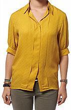 HERMES Paris made in France : En lot : - Chemisier à manches courtes, en soie imprimée jaune, 7 boutons en nacre teintée jaune. Tail...