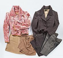 FENDI, Tailleur pantalon marron, veste (un bouton à changer) T40 it, pantalon T44 it ; Jupe en soie mordorée, T40 it ;  Jupe en soie...