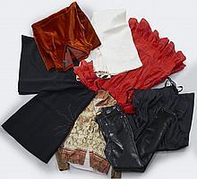 VERSUS, Gianni Versace, Jupe noire, T40 it ; Robe en viscose noire, T40 it. VERSACE Jean Couture, Pantalon en polyester noir brillan...