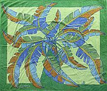 HERMES Paris made in france Serviette de plage grand modèle en coton à décor de feuilles de palmier bleues et vertes sur fond à do...